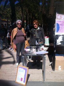 Claudia e Xanthi alla vendita